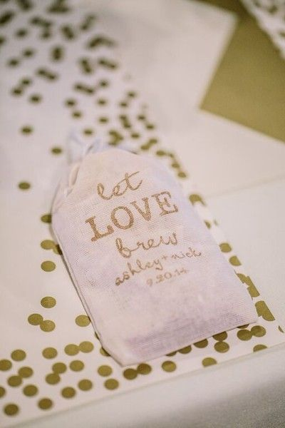 Eat, Love, Brew! Fill favor bags with your favorite coffee beans and your guests will surely be thinking of you in the morning! {@studio127}