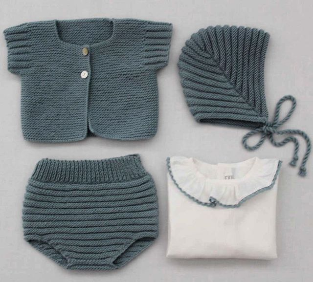 Hoy empieza la cuenta atrás para publicar la Nueva Colección 2016 de @mamamadejas. Como novedad podréis comprar ropita tejida a mano a través de la tienda online!!! El lunes es el día. #Chaqueta, #Culotte y #Capota de algodón tejido a mano. Camisa de Batista. #handmade #knitters #baby