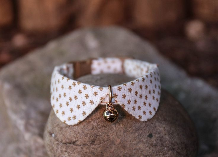 The Basic Style for cat collar, tiny dog collar, small dog collar by HMbyZoey on Etsy https://www.etsy.com/listing/245427237/the-basic-style-for-cat-collar-tiny-dog