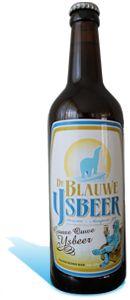 Gouwe Ouwe IJsbeer is een eerbetoon aan mijn vader, de Ouwe IJsbeer. Dit polder-blond bier is van hoge gisting en gebrouwen met gerstemout, water, hop en gist.  Gouwe Ouwe IJsbeer heeft nagisting op de fles en combineert prachtig met een belegen boerenkaas of bijvoorbeeld een gegrilde entrecote met bearnaise saus.  Ons advies is om de Gouwe Ouwe IJsbeer te schenkenop een temperatuur van 5°C in de Blauwe IJsbeer bierbokaal en verantwoord te genieten.