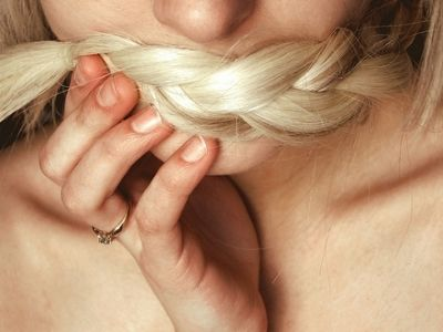 8 home hair treatments for split ends.
