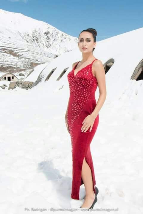 Photo Shoot Embalse El Yeso #chile #arriendo #vestidos #fiesta #gala #nieve #model #outfit #fashion #dress  www.laragala.cl www.facebook.com/arriendoslaragala