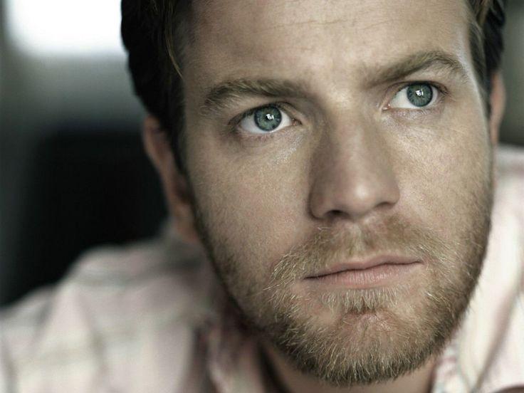 Ewan McGregor. Yup, he's a hottie