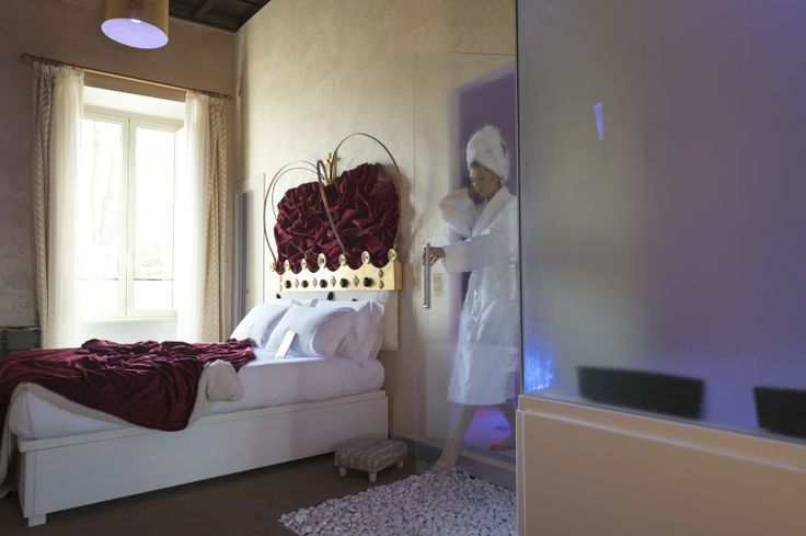 iSpa with ChromoTherapy #iSpa #Chromotherapy #inRoomSpa #JacuzziRooms
