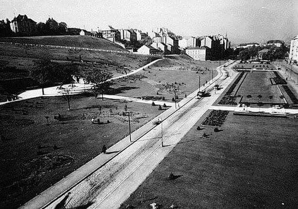 1930-as évek. A Tabán a bontás után.