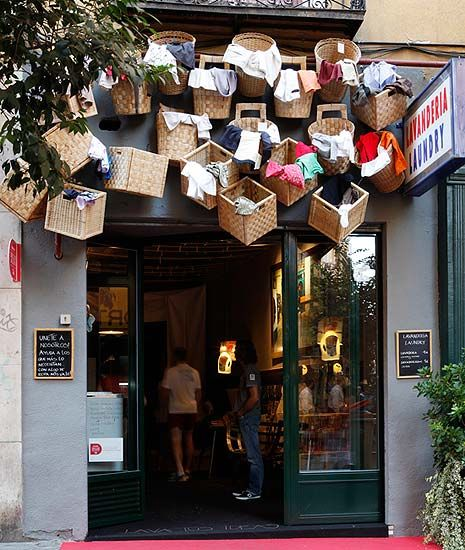 Laundry Service Lavandería by Ricardo de la Torre. Barrio de las Letras, Madrid. • Spain