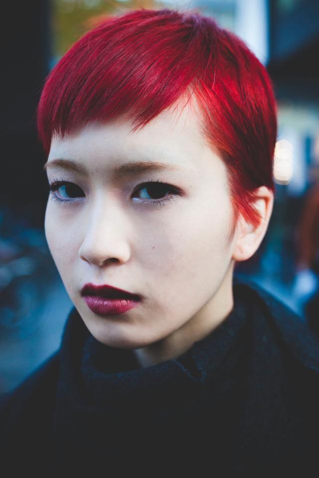 赤髪ショートカットの内田佑朋