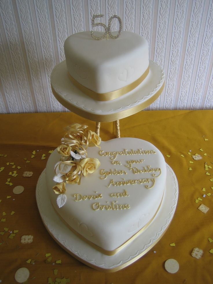 Stand-Wedding-Cakes-50th-Anniversary