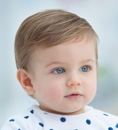 I'm in love with the color of this infant's eyes!