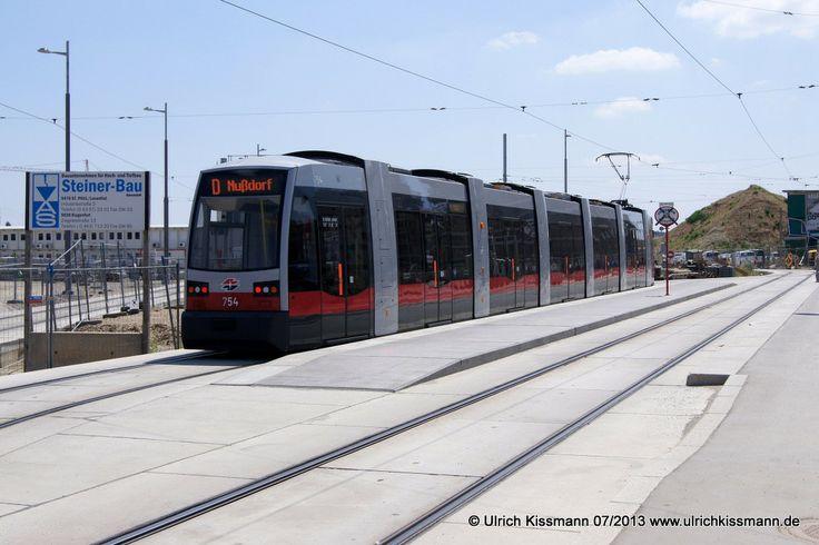 754 Wien Alfred-Adler-Str. 08.07.2013 - das ist die Endhaltestelle hinter dem Hbf, die noch außer Betrieb ist - SGP ULF B1