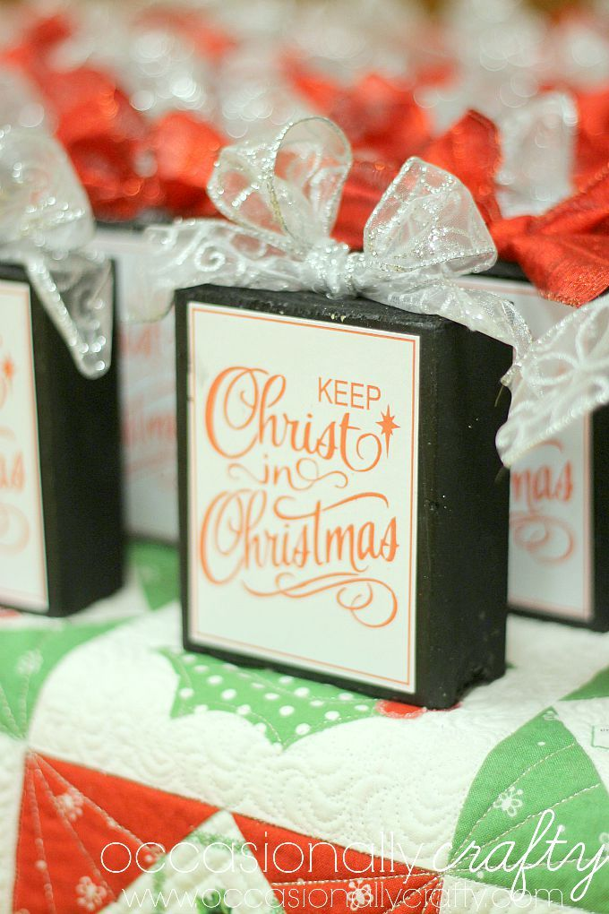 Keep Christ in Christmas: Relief Society Christmas Activity from Occasionally Crafty