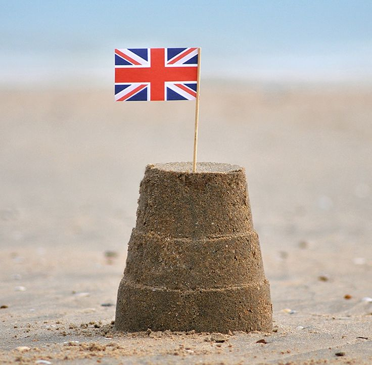 ~ paper flags for your sand castle ~ 50p ~ England <3