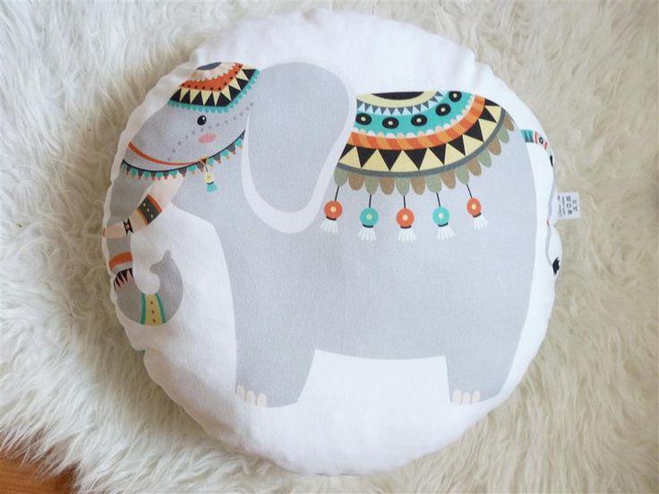 Kissen - Kissen: Indischer Elefant - ein Designerstück von DianaP-Art bei DaWanda