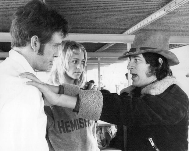 """Steven Spielberg on the set of """"Sugarland express"""""""