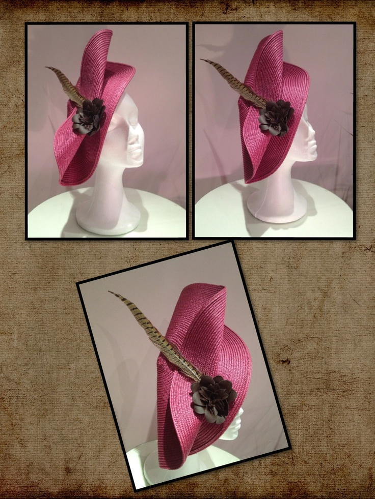 """Maxi-tocado de 40cm en base parasisal rosa con composición de flor chocolate en cuero y pluma de faisán. La sofisticación hecha tocado, espectacular diseño que te dará el tan deseado """"estilo"""" en ese evento especial."""
