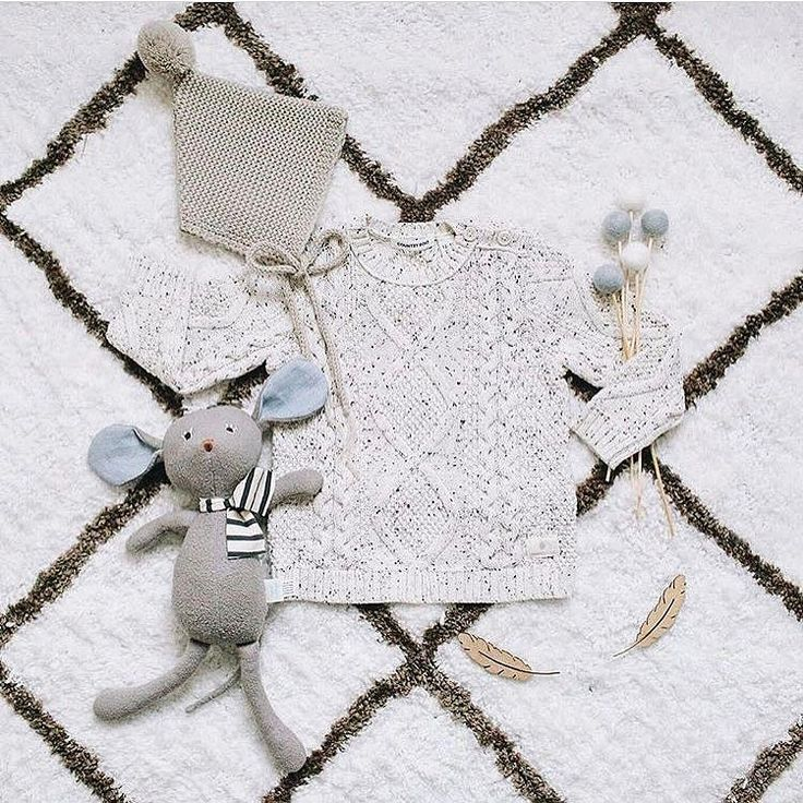 TONING IT BACK Toning it right down with this gorgeous flatlay from @katherinedelmenico - the luxe winter vibe got us right in the snuggle bone! Tap for details and you can shop our Felt Ball Flowers online now! . #winter #woven #knit #luxe #kidsflatlay #feltballflowers #winterknits #flatlay #kidsfashion #kidsdecor #homedecor #nurserydecor #feltballrug #winstonandgrace