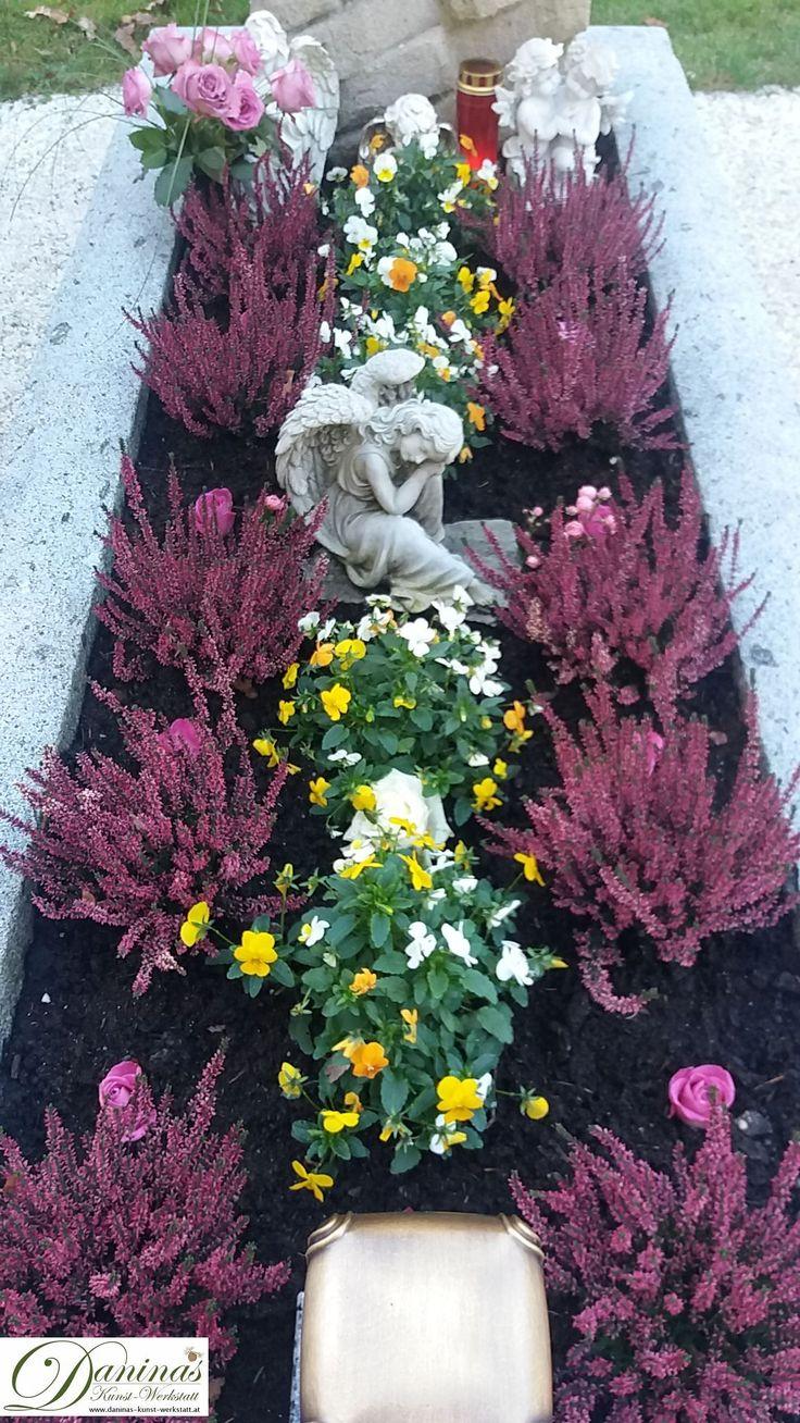 Idee Grabbepflanzung für Herbst, Allerheiligen, Winter - Heidekraut und Stiefmütterchen