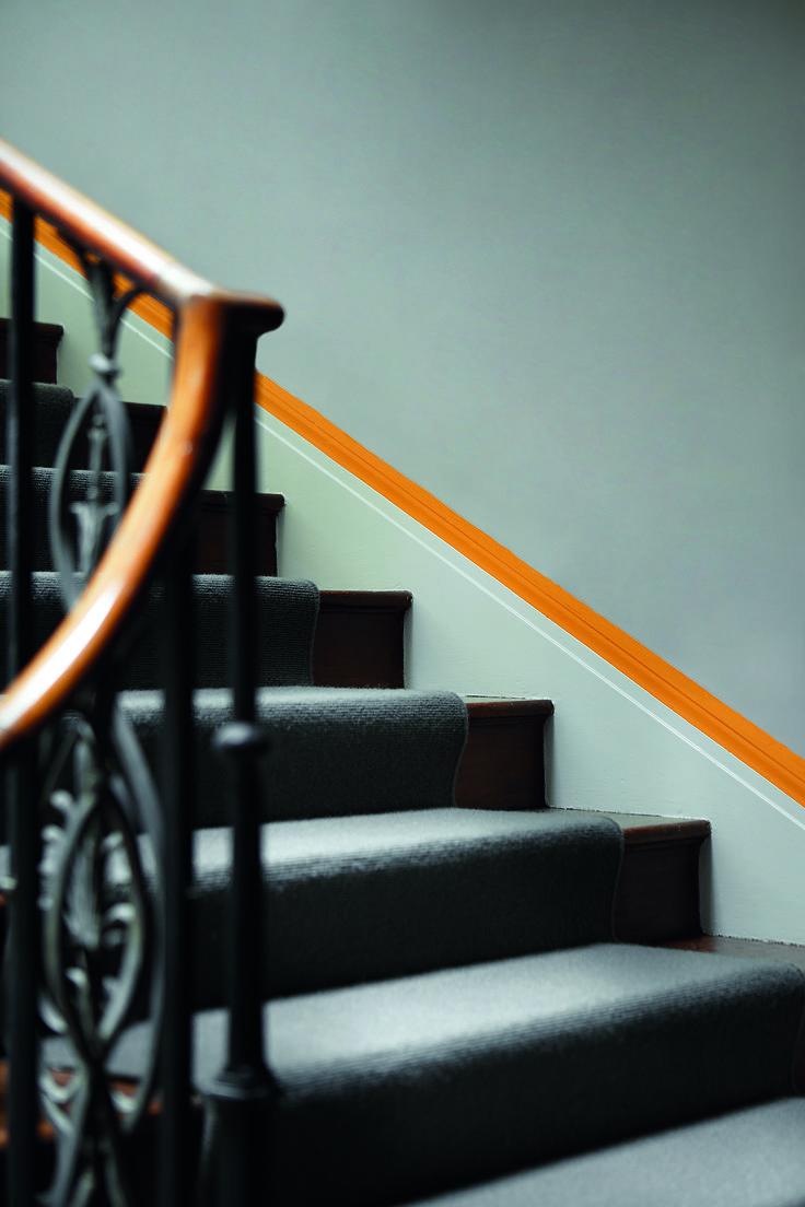 17 beste idee n over verf trap op pinterest trappen schilderen geschilderde trap en kelde - Idee deco hal met trap ...