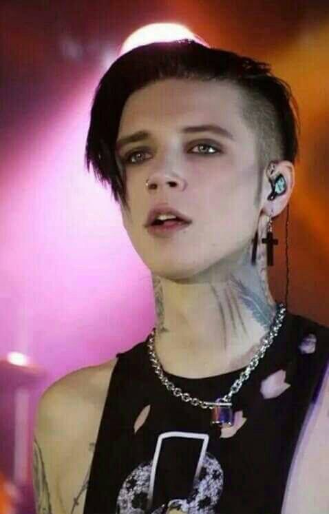 Andy Biersack in 2020 | Black veil brides,y, Andy black ...