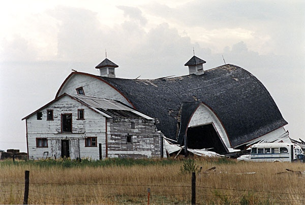 Abandoned barn south of Moose Jaw, Saskatchewan on Highway 363 W. September 14, 1994.    From the collection of Joanne Abrahamson.