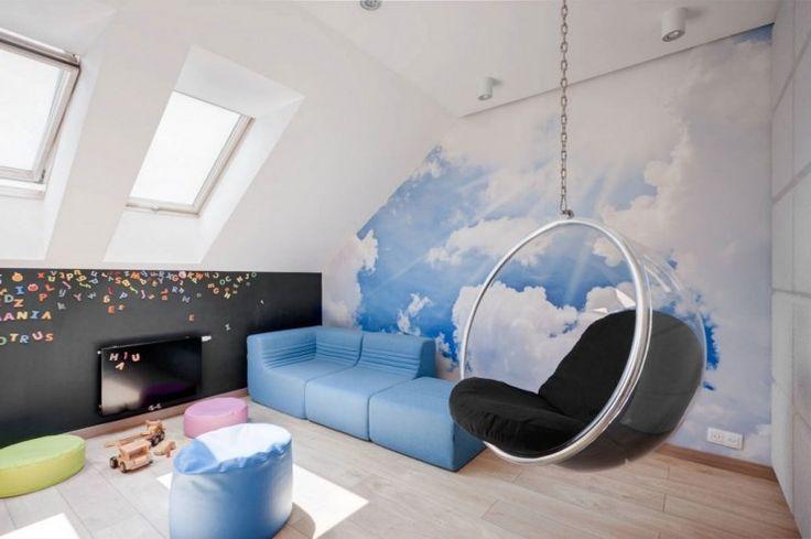 Kids Room, legmenőbb srác játszószoba díszítő ötletek Amazing Tetőtér Kid játszószoba Ötletek vonzó Sky Blue Wallpaper Design és Lógó buborék székek Plus Light Blue Napozóágyak Lounge Sofa Plus Double Side Hung Tetőablak