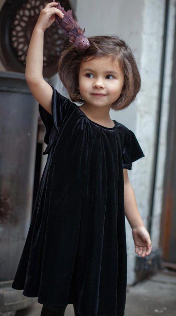Beautiful velvet dress for those special days. #estella #kids #fashion www.minimoda.es