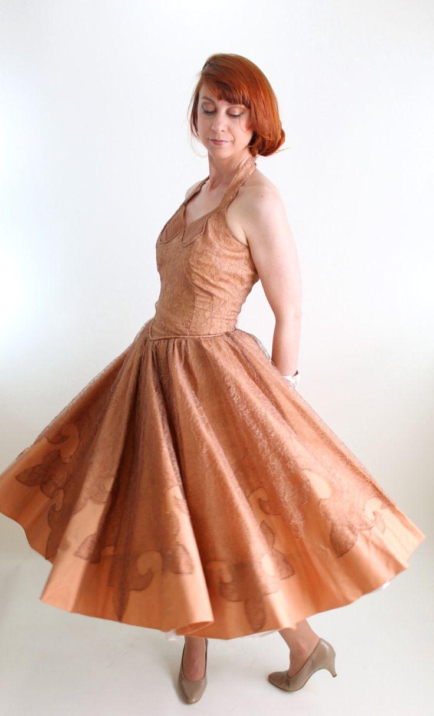 Vintage 1950s Nude Brown Lace Formal Dress. Prom por gogovintage, $125,00