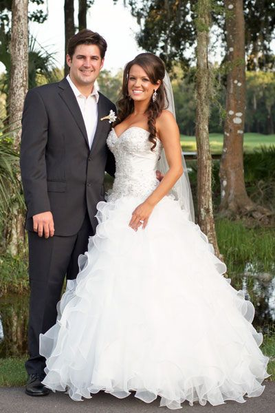 Best 25 fluffy wedding dress ideas on pinterest pretty for Fluffy skirt under wedding dress