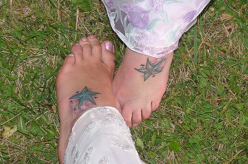 25 Magnificent Matching Tattoos For Sisters | CreativeFan