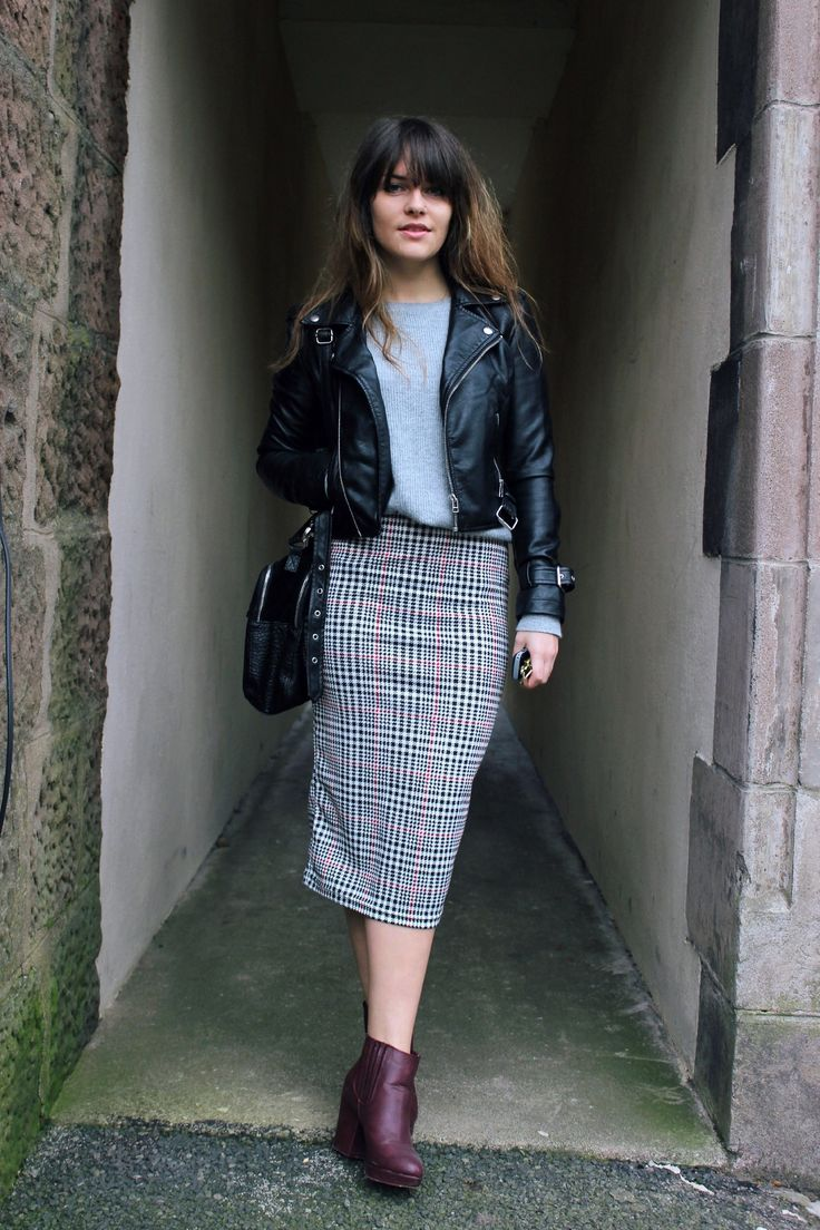 fall fashion pencil skirt and leather jacket