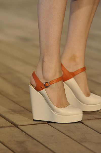 Adorable wedges from Véronique Leroy S/S 2012, Paris Fashion Week.