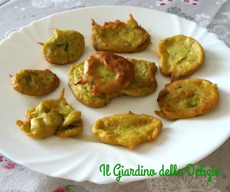 La crema di asparagi con pastella può essere una buona idea per utilizzare i gambi degli asparagi e pastellarli in deliziose morbide frittelline