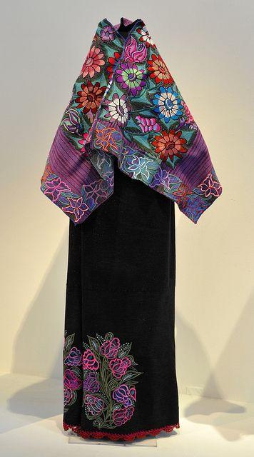 Vestido bordado a mano hecho en Chiapas México ✿⊱╮