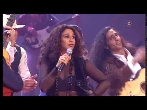 Lola Flores, Lolita, Antonio Flores y El Pescailla - La casa en el aire - YouTube