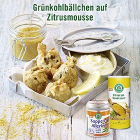 Lebensbaum. Grünkohlbällchen auf Zitronenmousse. Fotografie und Packaging von adworx.