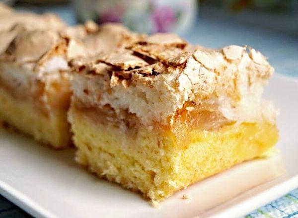 Jablečný koláč pod kokosovou peřinou