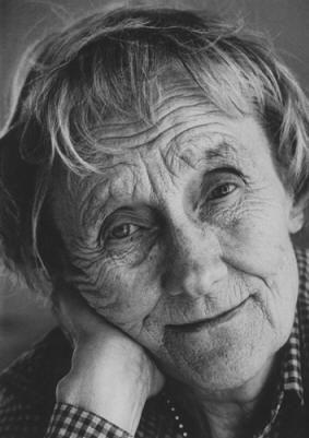 Astrid Lindgren escritora literatura infantil sueca (Pippi Calzaslargas)  1907+2002