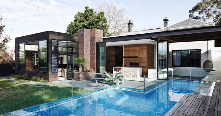 Flat roof attached to pitched  Malvern House by Robson Rak Architects & Interior Designers