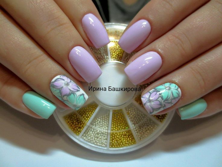 Everyday nails, flower nail art, Fresh nails, Mart nails, Mint and lilac nails, Nails for spring dress, ring finger nails, Spring designs for nails