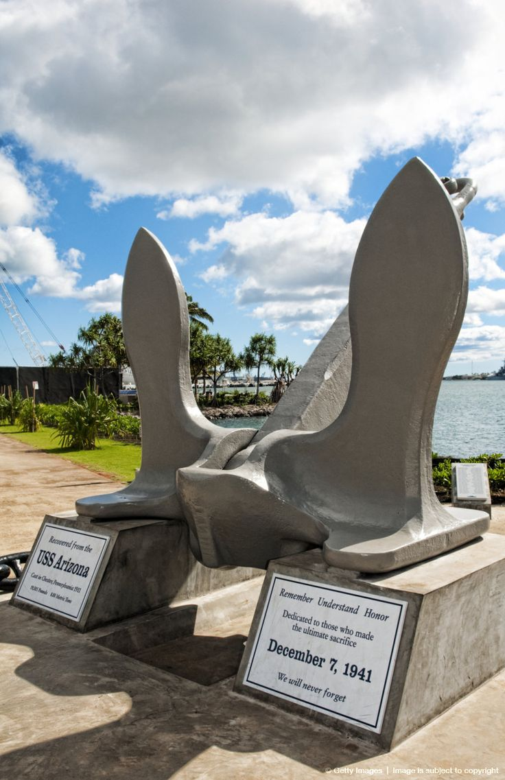 Hawaii, Oahu, Honolulu, Pearl Harbor, A monument to the Uss Arizona, An anchor statue.