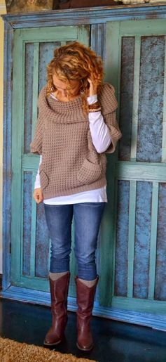 Oversized 3/4 Sleeves Sweater With Leather Long Boots and Casual Jeans