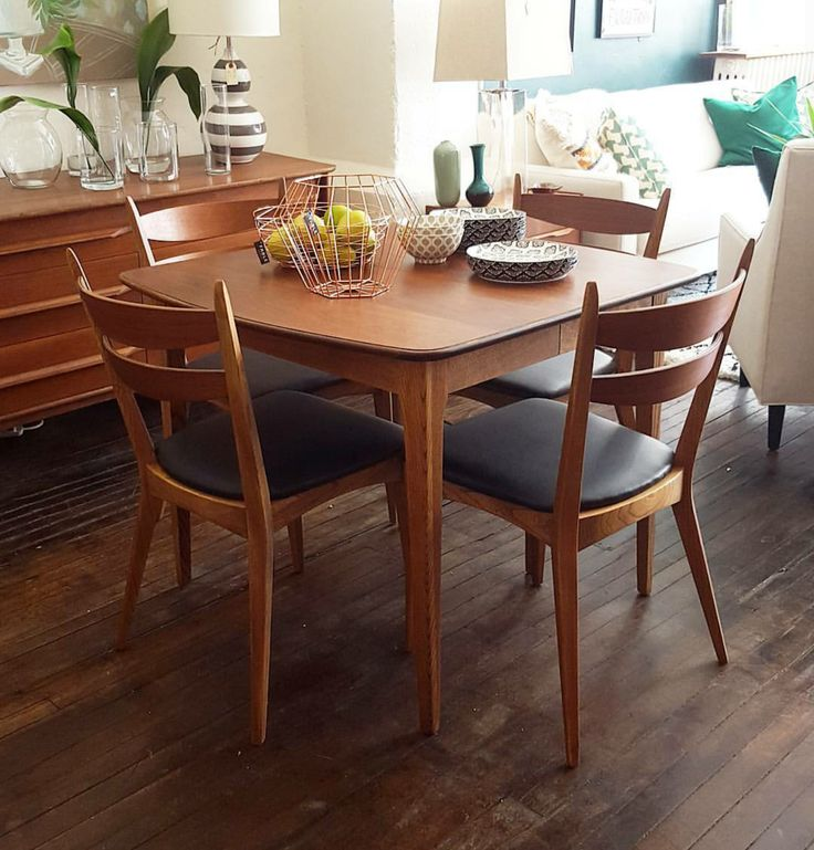 Extendable mid century Walnut dining table fully refinished