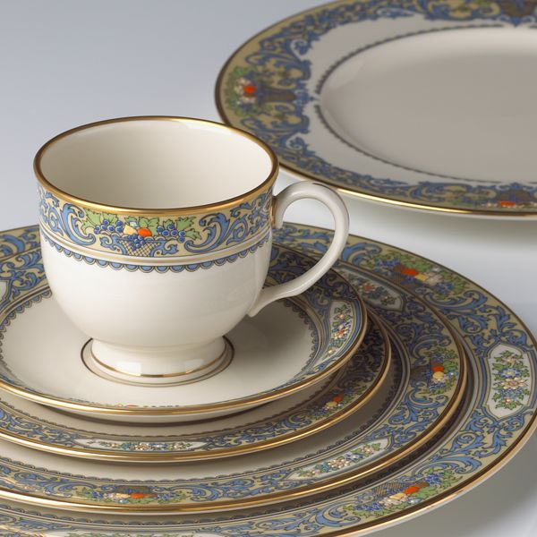 Beautiful Popular China Patterns Part - 12: Lenox Autumn Place Setting Is Still One Of The Most Popular Patterns In  America Today. The Lenox Autumn Collection Of Fine China Combines Beautiful  Floral ...