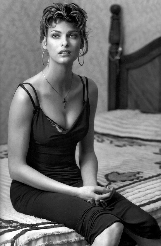 Famous Italians ~ #famousItalians #Italians  #celebrities ~ linda evangelista