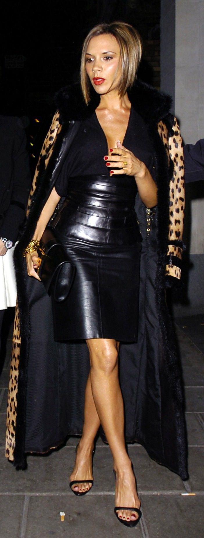 Best 25  Long leather skirt ideas on Pinterest | Leather skirts ...