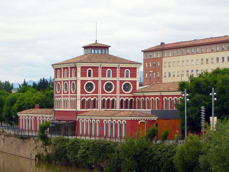 Antiguo matadero de animales de Logroño, junto al río Ebro, reconvertido en Museo de las Ciencias.