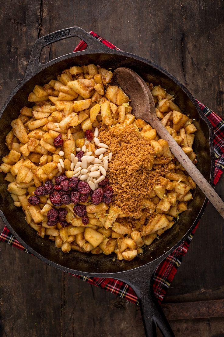 Healthy Vegan APPLE STRUDEL recipe - Ricetta Strudel di mele #vegan senza uova senza burro  apfelstrudel