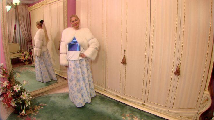 Вместе с Ольгой Никишичевой вы можете сшить наряд для зимней вечеринки — роскошную длинную юбку.