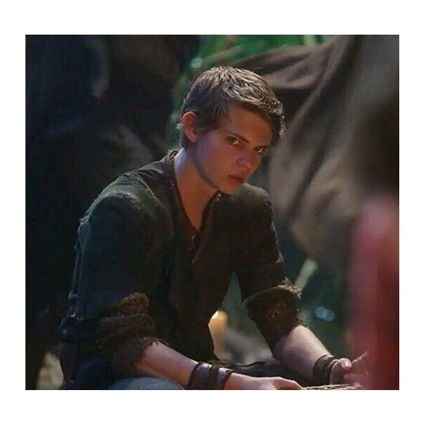 Peter Pan/Robbie Kay My ideal Man ❤ liked on Polyvore featuring once upon a time, peter pan and robbie kay