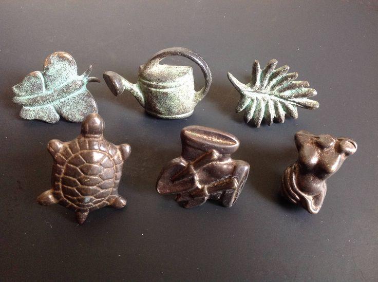Six (6) decorative HANDLES knobs cast iron- POIGNÉES (6) BOUTONS en fonte décoratifs - Bureau commode tiroir de la boutique LesTresorsDeClaudet sur Etsy